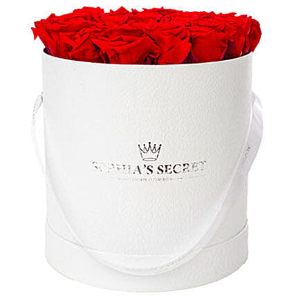 20 red roses in a white hat box: Birthday Flower Delivery in Germany