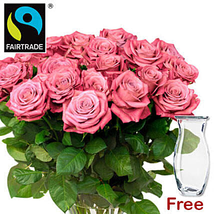 Elegant Bunch Of Pink Roses: Bouquet Delivery in Germany