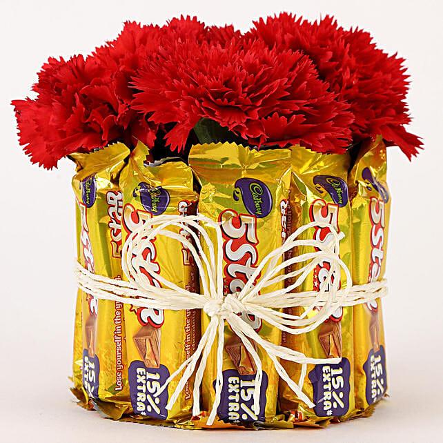 5 Star & Carnations Glass Arrangement: Chocolates Shopping India