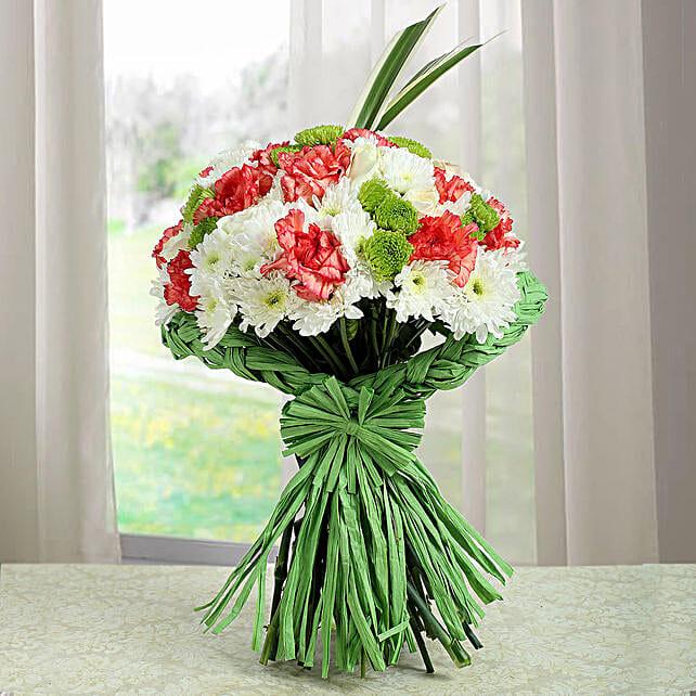 Artistic Bunch Of Carnations: Send Chrysanthemums