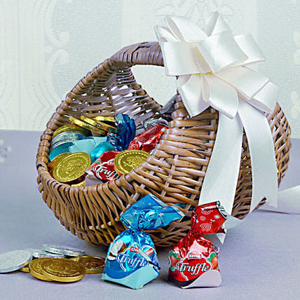Basket Of Chocolaty Treats: Christmas Gift Hampers