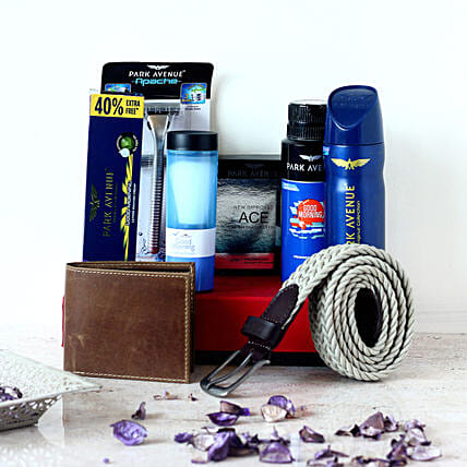 Belt & Wallet Park Avenue Gift Set For Men: Gift Hampers Hyderabad
