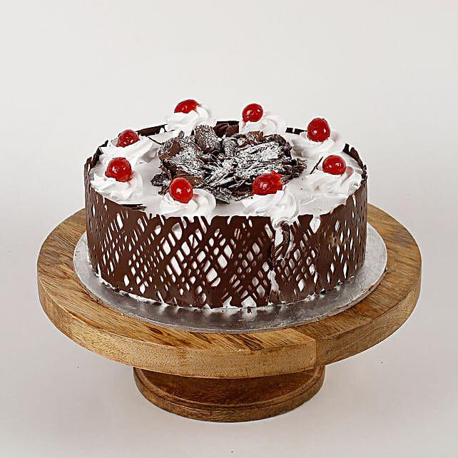 Black Forest Cherries Cream Cake: Send Black Forest Cakes