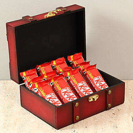 Box Of Kit Kat Chocolates: Navratri Gifts
