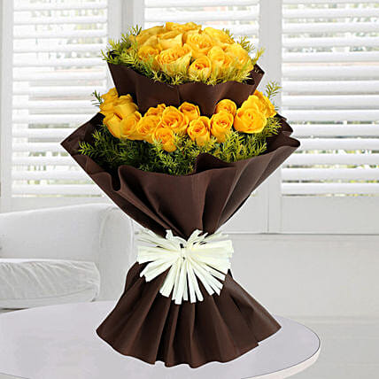Bright Yellow Roses Bunch: Premium Roses