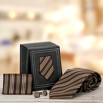 Brown Stripped: Gift Hampers