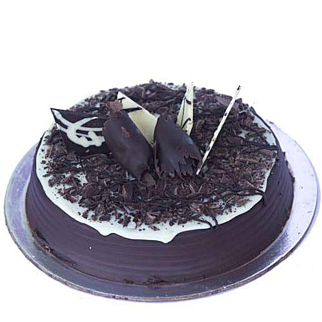 Chocolate Chip Cake: Chocolate Cake
