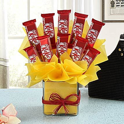 Chocolate Treat: Send Chocolate Bouquet