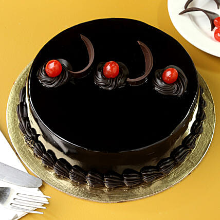 Chocolate Truffle Delicious Cake: Gifts to India