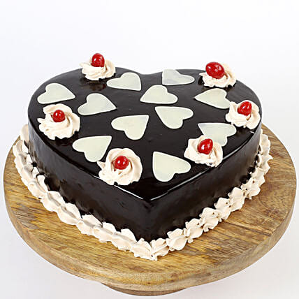 Chocolatey Hearts Cake: Chocolate Cake