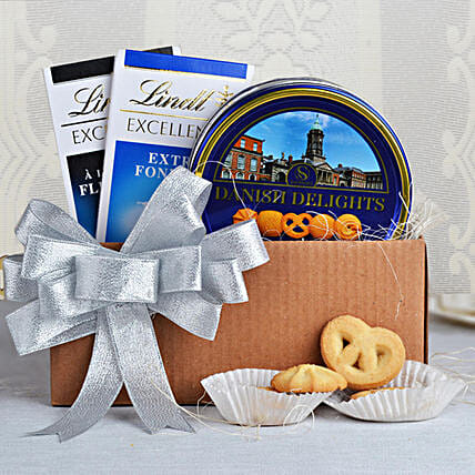 Cookies & Lindt Chocolates Special: Premium & Exclusive Gift Collection