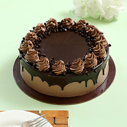 Cream Drop Chocolate Cake: Eggless Cakes