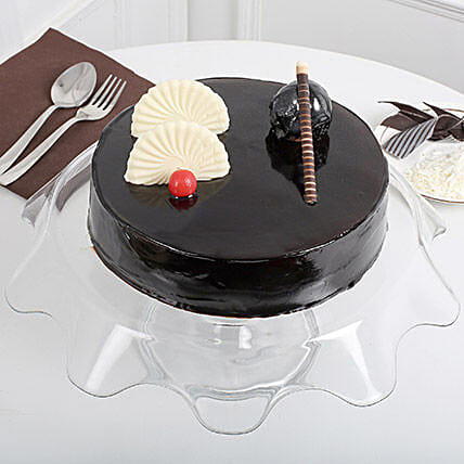 Exotic Chocolate Cream Cake: Chocolate Cake