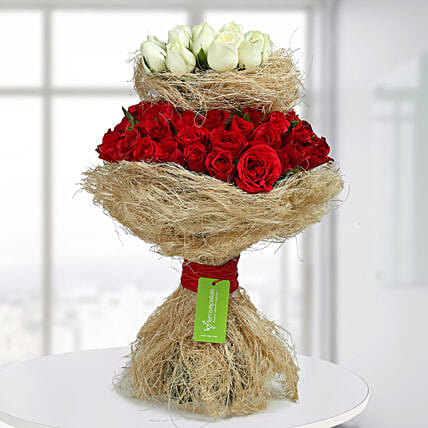 Graceful Red N White Roses Bunch: