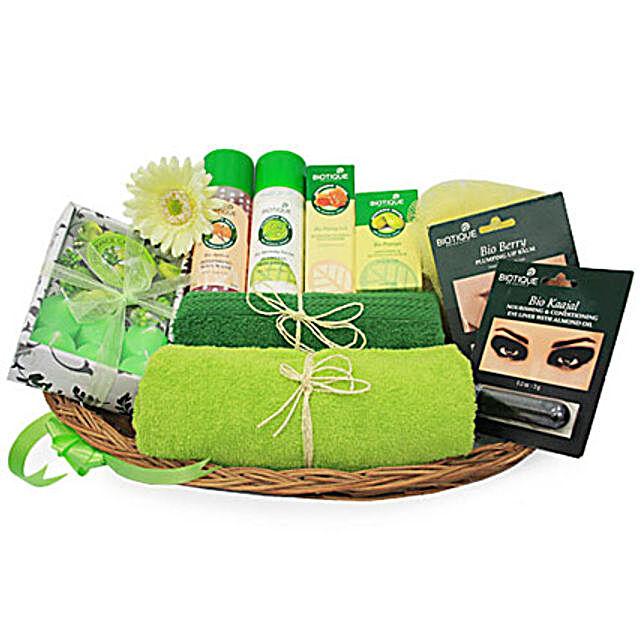 Green Spa Hamper: Valentines Day Gift Baskets