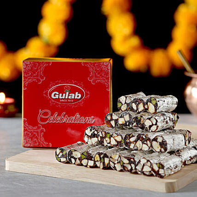 Khajur Roll Box: Karwa Chauth Sweets India