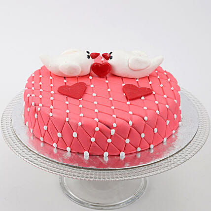 Kissing Birds Cake: Designer Cakes