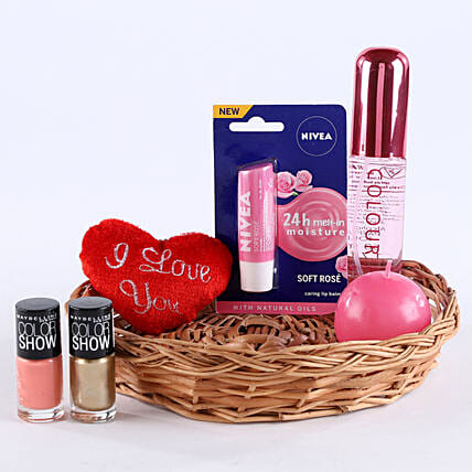 Love Being A Woman: Gift Hampers