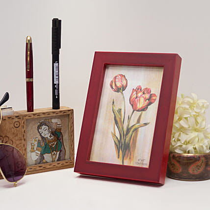 Red Wooden Photo Frame: Send Photo Frames