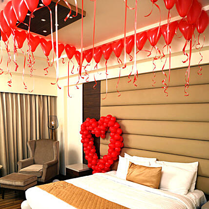 Romantic Balloon Decor: Experiential Gifts