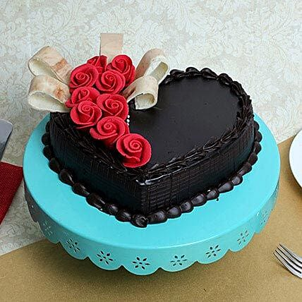 Semi Fondant Heart Cake: Gifts for Hug Day