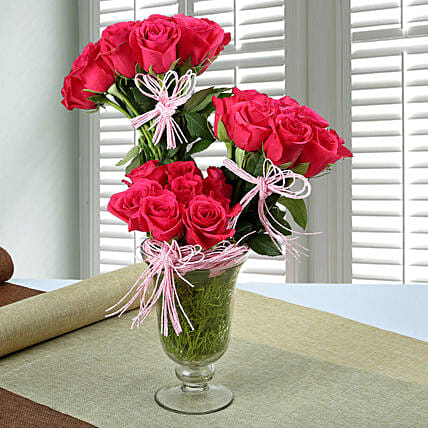 Stunning Rose Arrangement: Send Unique Gifts