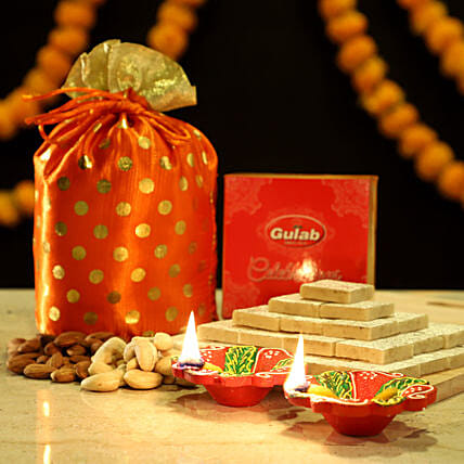 Sweet & Crunchy Diwali Treats: Sweets Delivery