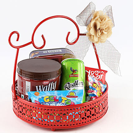 Sweet Snack Basket: Gift Hampers
