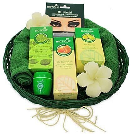 The Spa ed Experience: Valentines Day Gift Baskets