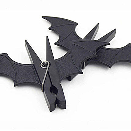 Batman Clothes Hanging Clips Set Of 2: Halloween Gifts