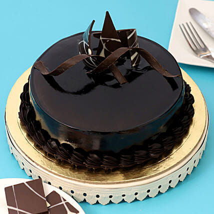 Chocolaty Truffle Cake: Gifts Delivery in Miraj