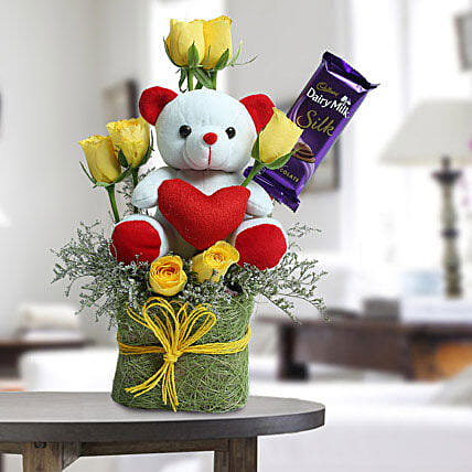 Cute Teddy Surprise: Send Gift Hampers