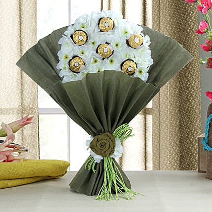 Delectable Ferrero Rocher Chocolate Bouquet: Send Chocolate Bouquet