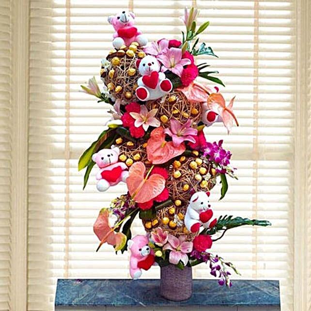 Flowers & Ferrero Rocher Arrangement: Soft toys for Promise Day