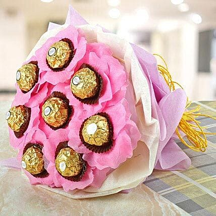 Pleasantly Pink: Send Chocolates to Lucknow