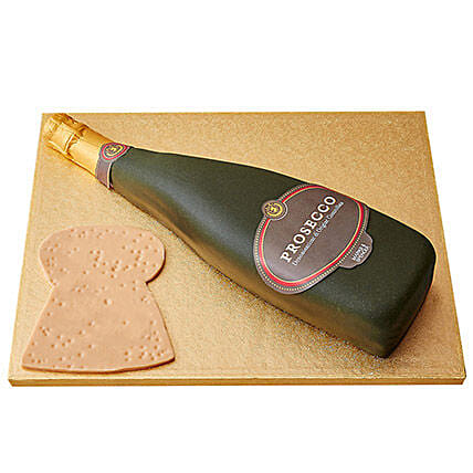 Prosecco Fondant Cake: Bottle Shaped Cakes