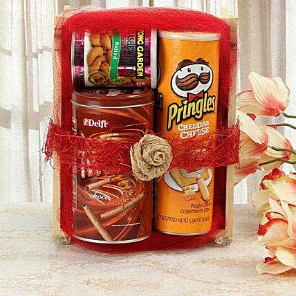 Sweet Yet Snacky: Send Gift Hampers
