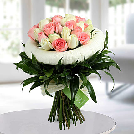 Appealing Pink N White Roses Bunch: Designer Bouquet