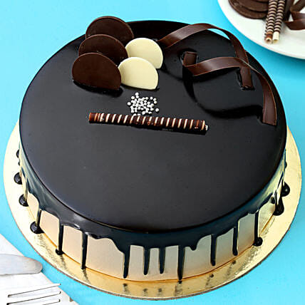 Chocolate Cream Cake: Birthday Gifts for Her