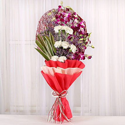 Wondrous wishes: Boss Day Flowers