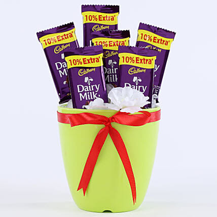 Chocolaty Vase: Send Gifts to Balrampur