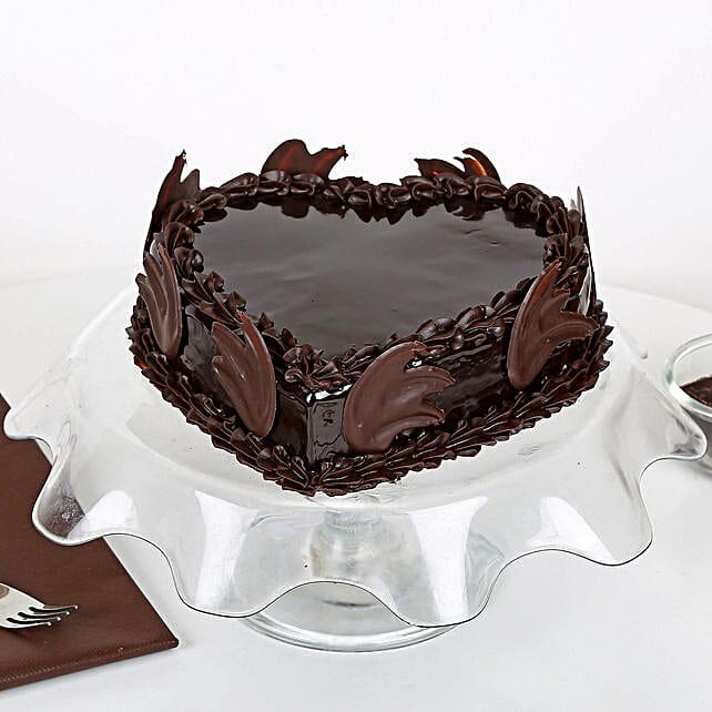 Heart Shape Truffle Cake: Heart Shaped Cakes