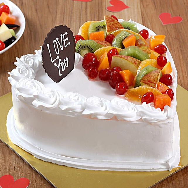 Heart Shaped Vanilla Fruit Cake: Send Heart Shaped Cakes