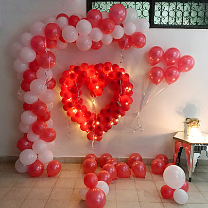 Glowing Red & White Balloon Decor: Balloon Decoration Ideas