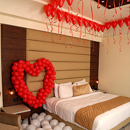 Romantic Balloon Decor: Decoration Services to Hyderabad