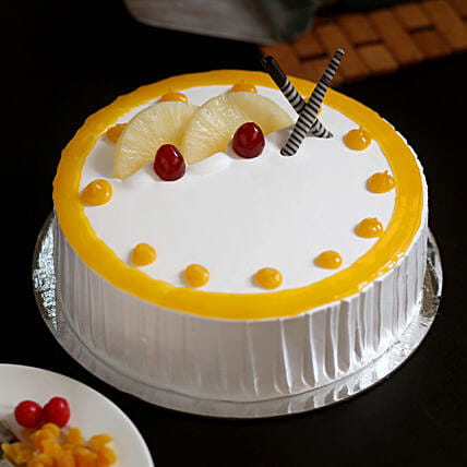 Delicious Pineapple Cake: Send Gifts for Dussehra