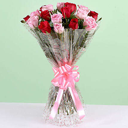 Appealing 18 Red & Pink Roses Bunch: