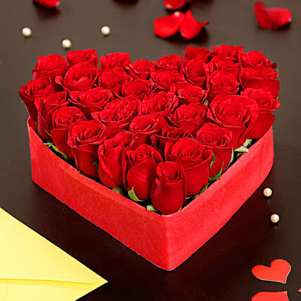 Heart Shaped Roses Arrangement: Heart Shaped Flower Arrangements