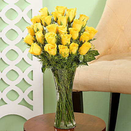 Yellow Roses Friendship Vase: Yellow Flowers