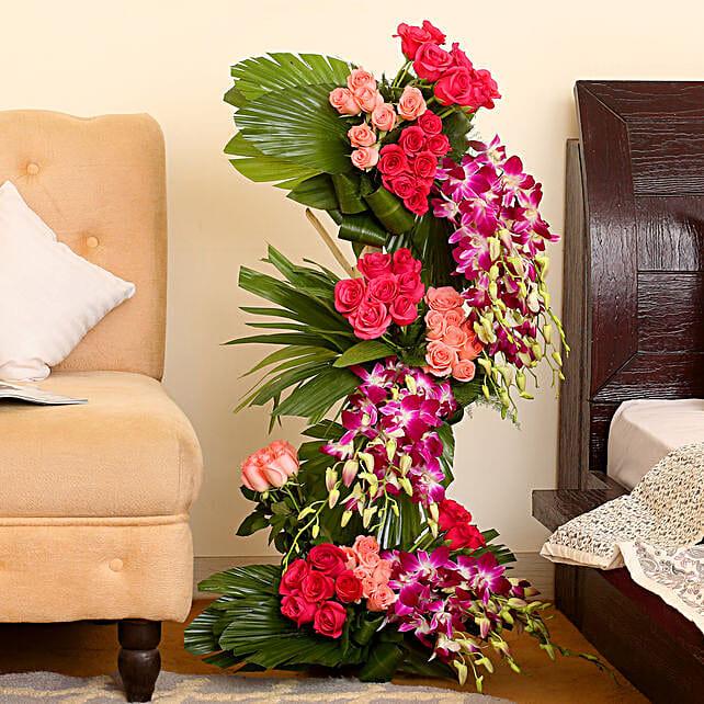 Luxurious Flower Arrangement: Basket Arrangements